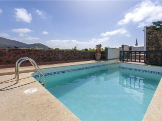 Holiday cottage with shared pool in La Geria - 1 - Chisamba vacation rentals