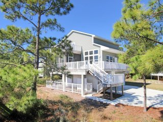 Gorgeous House with Deck and Internet Access - Cape San Blas vacation rentals