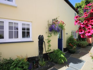 Nice 2 bedroom Appledore Cottage with Internet Access - Appledore vacation rentals
