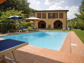 Beautiful 4 bedroom Villa in Marti - Marti vacation rentals