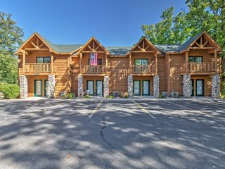 Inviting 2BR Utica Townhome Near State Parks! - Utica vacation rentals