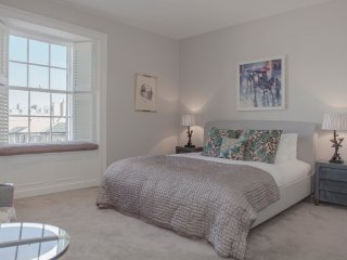 The Skyline at North Charlotte Street - Edinburgh vacation rentals