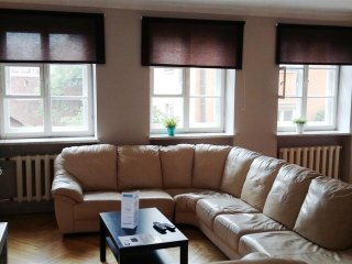 Piwna Orange apartment in Stare Miasto with WiFi. - Warsaw vacation rentals