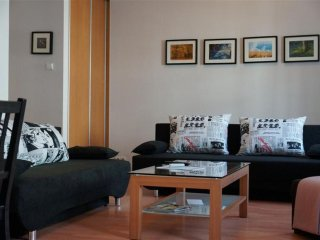 M4 apartment in Stare Miasto with WiFi & airconditioning. - Warsaw vacation rentals