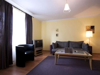 M8 apartment in Stare Miasto with WiFi & airconditioning. - Warsaw vacation rentals