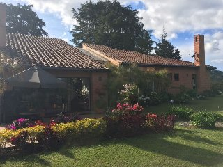 Altos de la Fe Relax and Enjoy - Retiro vacation rentals
