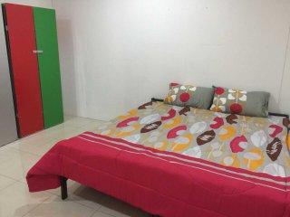 Homestay Taman Indah Tapah Road (Shahrini Homestay) - Tapah vacation rentals