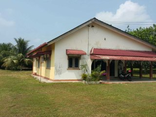 Kg Tersusun, Batu 2, Tapah (Shahrini Homestay) - Tapah vacation rentals