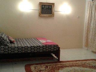 4 bedroom Apartment with Internet Access in Kampung Kepayang - Kampung Kepayang vacation rentals