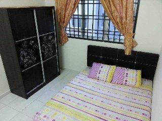 Vista Seri Alam, Masai/Pasir Gudang (Shahrini Homestay) - Masai vacation rentals