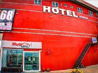 Muar City Hotel - CITY TRIPLE SUITE - Muar District vacation rentals