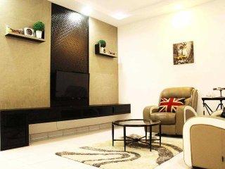 4 bedroom House with Internet Access in Skudai - Skudai vacation rentals