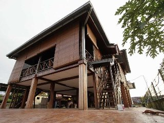 Comfortable House with Balcony and Parking - Kamunting vacation rentals