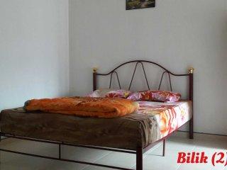 Comfortable 4 bedroom House in Taman Molek - Taman Molek vacation rentals