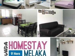 Cozy 3 bedroom Condo in Kampung Bukit Katil - Kampung Bukit Katil vacation rentals