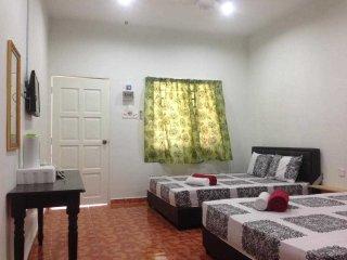 Hana Chalet & Motel Di Kuala Sg Baru Melaka - Hana Chalet Room 3 - Kuala Sungai Baru vacation rentals