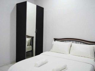 2 bedroom Condo with Microwave in Kampong Masjid Tanah - Kampong Masjid Tanah vacation rentals