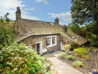 BECKS COTTAGE, all ground floor, open plan, fantastic touring base, Holmfirth, Ref 928712 - Holmfirth vacation rentals