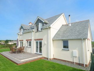 NORTH PARK, woodburner, WiFi, ground floor wet room, Bude, Ref 943996 - Bude vacation rentals