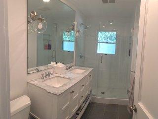 RENOVATED BEACH HOUSE W/ HEATED POOL & FIREPLACE! - East Hampton vacation rentals