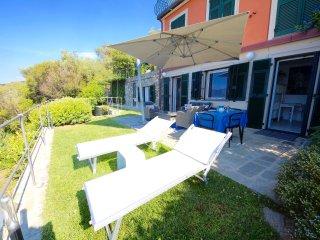 SUITE DOLCEVITA 1BR-patio and garden by KlabHouse - Zoagli vacation rentals