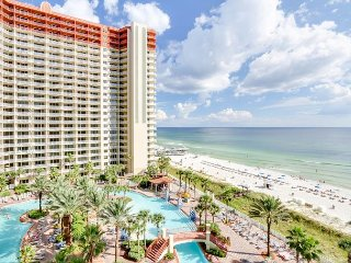 1 BR w/ Bunks  - Gulf Front in Popular Resort! Free Tickets to attractions!! - Panama City Beach vacation rentals