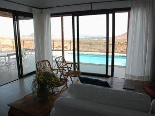 Cozy 3 bedroom Villa in Nazaret - Nazaret vacation rentals
