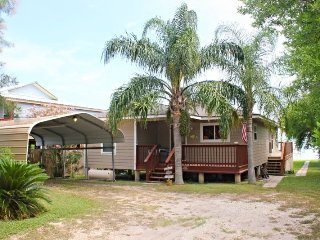 4 bedroom House with Deck in Bayside - Bayside vacation rentals