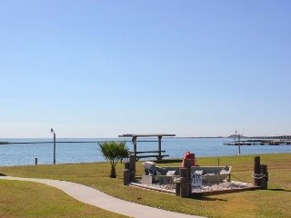 Gorgeous House with Shared Outdoor Pool and Microwave - Rockport vacation rentals