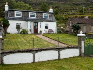 Bright 3 bedroom Torridon House with Internet Access - Torridon vacation rentals