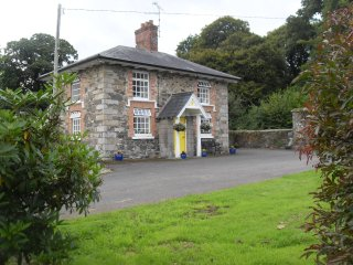Charming 3 bedroom Cottage in Belturbet with Television - Belturbet vacation rentals