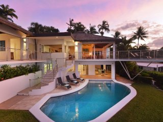 The Pinnacle - 4 Bedroom House in Town with Stunning Views - Port Douglas vacation rentals