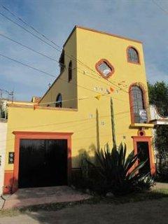Beautiful Spacious 1 Bedroom Apartment in Centro - El Santuario vacation rentals