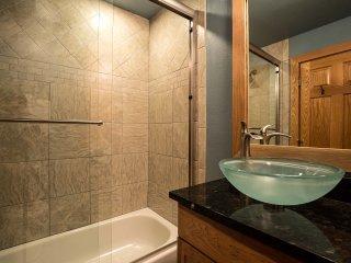 2 Bedroom, 2 Bathroom House in Breckenridge  (04E) - Breckenridge vacation rentals