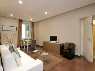 COLOSSEO GARDENS Two Bedroom 6 Guests - Rome vacation rentals