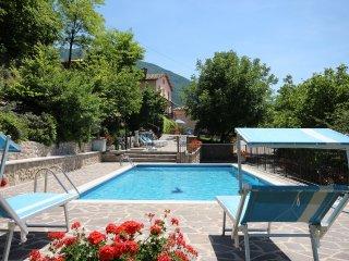 Bright 4 bedroom Piobbico Villa with Internet Access - Piobbico vacation rentals