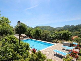 Lovely 4 bedroom Piobbico Villa with Internet Access - Piobbico vacation rentals