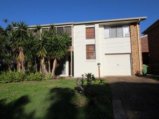 2/2 Moffat St Moffat Beach, QLD - Kings Beach vacation rentals