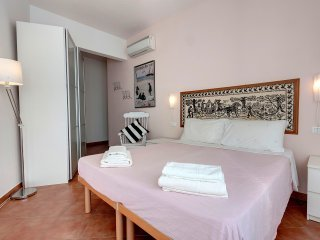 BORGO SAN JACAPO APRT.IN THE TOWER HOUSES STREET - Settignano vacation rentals
