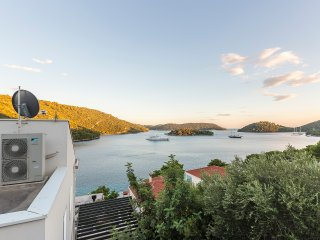 Modern Studio Lastovo Pasadur bay beachfront - Pasadur vacation rentals