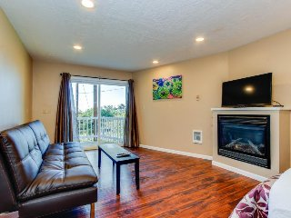 Dog-friendly studio with ocean view & 7 miles of beach just steps away! - Lincoln City vacation rentals