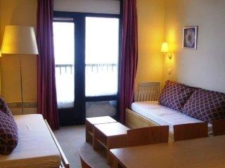 Cozy 2 bedroom Apartment in Araches-la-Frasse - Araches-la-Frasse vacation rentals