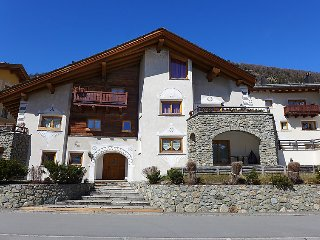 3 bedroom Apartment in La Punt Chamues-ch, Engadine, Switzerland : ref 2252876 - Madulain vacation rentals