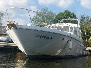 "Luxury heated Motor Yacht ""Eucala"" at Riverscapes - East Molesey vacation rentals"