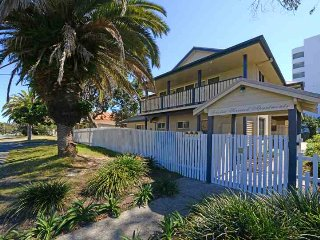 Nice House with A/C and Balcony - Tuncurry vacation rentals