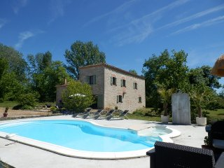 Nice House with Washing Machine and Shared Outdoor Pool - Montalzat vacation rentals