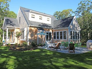 Comfortable 3 bedroom Vineyard Haven House with Deck - Vineyard Haven vacation rentals