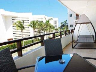 Casa del Mar Condo Coral - Playa del Carmen vacation rentals