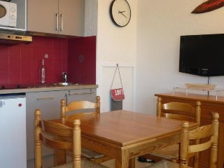 Perfect Condo with Shared Outdoor Pool and Television - Capbreton vacation rentals