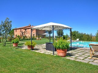 Farmhouse Romina: Luxury Apartment Granaio - Cignano vacation rentals